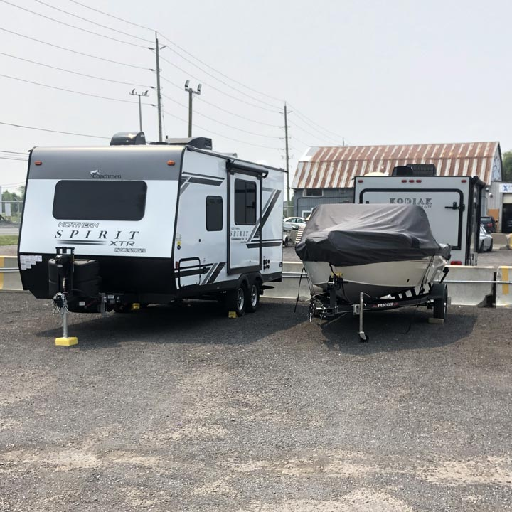 RV and boat storage and parking